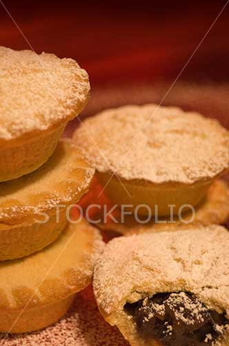 Mice pies dusted with icing sugar