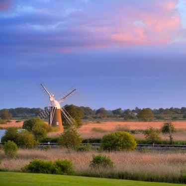 Turf Fen Windpump on the River Ant at Dusk